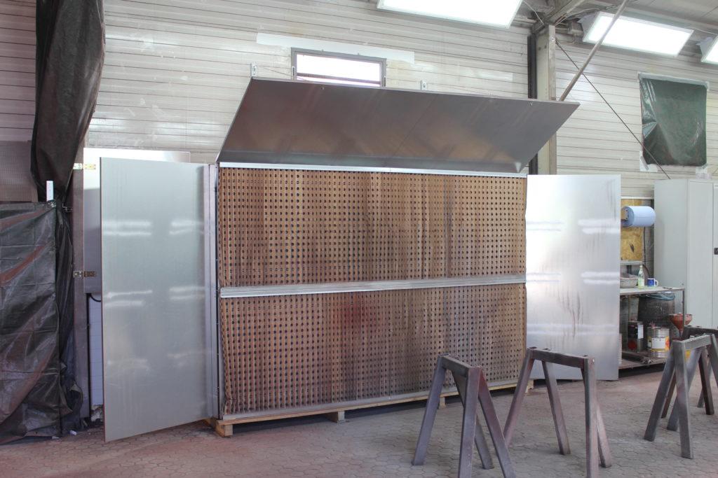 Q-Bic 300-200 mit Luftleitblechen ind Faltkartonfilter in einem Stahlbaubetrieb in Bayern
